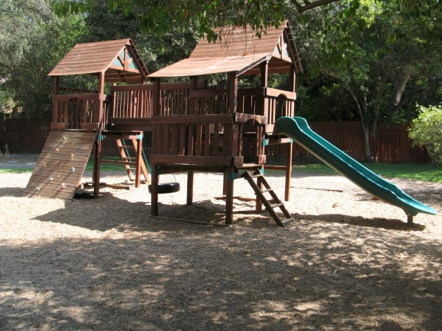 Red Preschool, Back Yard